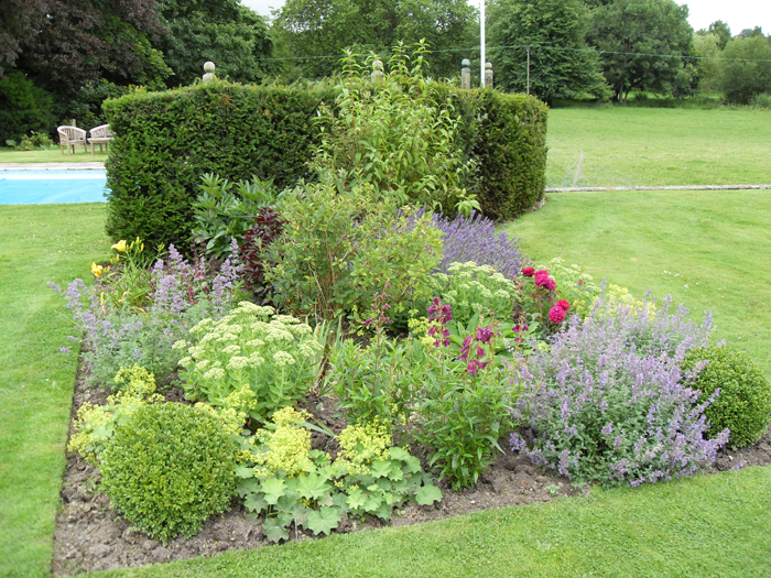 Landscape Gardening and Design Company – New Leaf Landscapes UK - Garden Design Style - Cottage