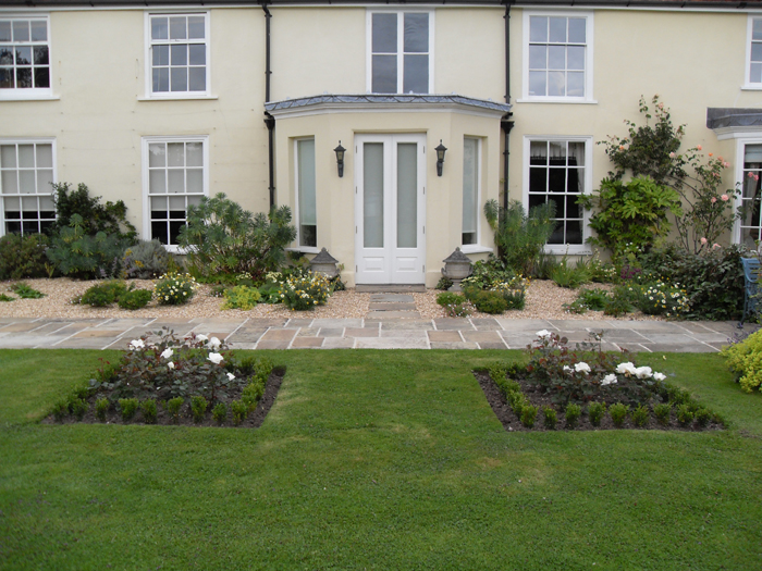 Landscape Gardening and Design Company – New Leaf Landscapes UK - Garden Design Style - Traditional